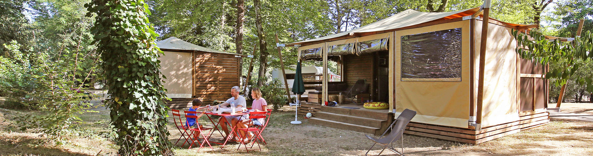 camping-combe-a-leau-bandeau-hebergements-famille